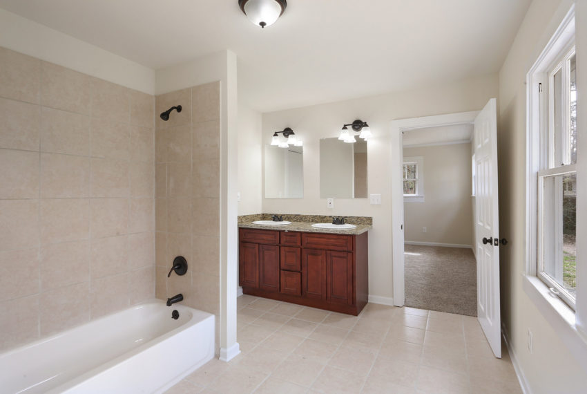for-sale-master-bath-2