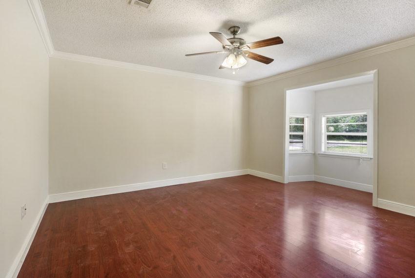 guest-bedroom-for-sale