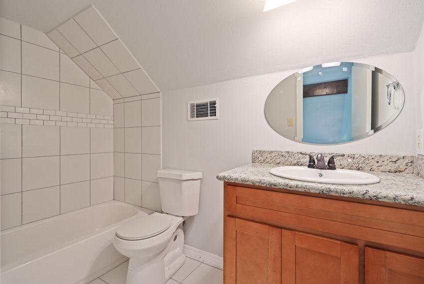 For-Sale-Bathroom-2-Slidell-Louisiana