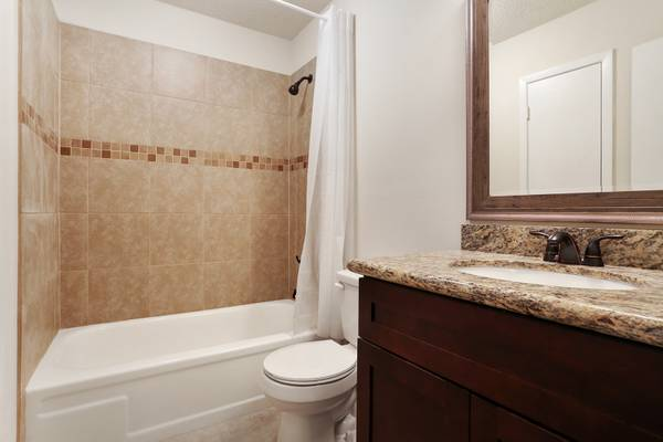 For_sale_bathroom_slidell_louisiana