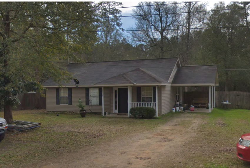 Home For Sale in Lacombe LA